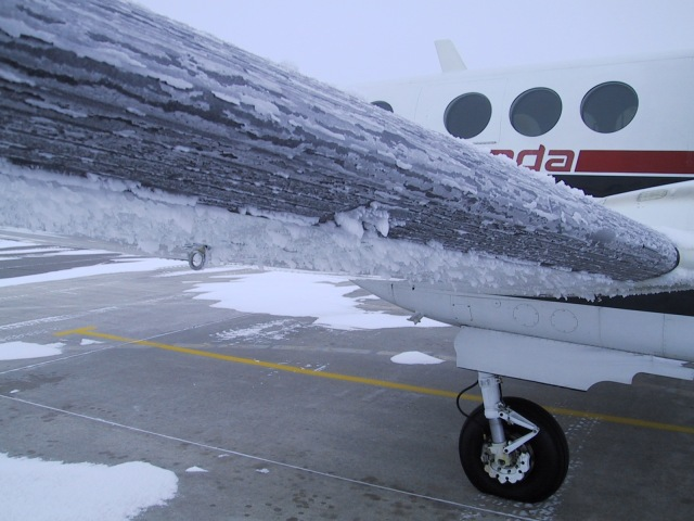 wing-ice-King-Air
